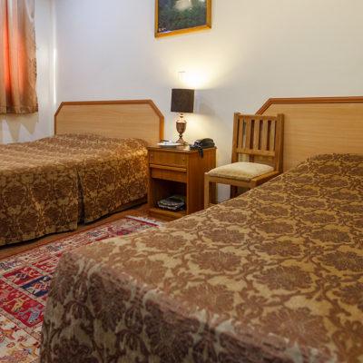 اتاق دو تخته تویین در هتل ساسان شیراز