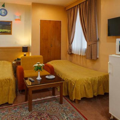 سوییت چهار نفره در هتل ساسان شیراز